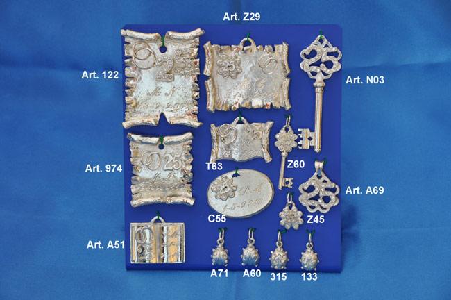 Prodotto: Pergamene, chiavi e ciondoli con cristalli Swarowski #1
